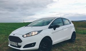 Тест-драйв Ford Fiesta: Black and White ей к лицу